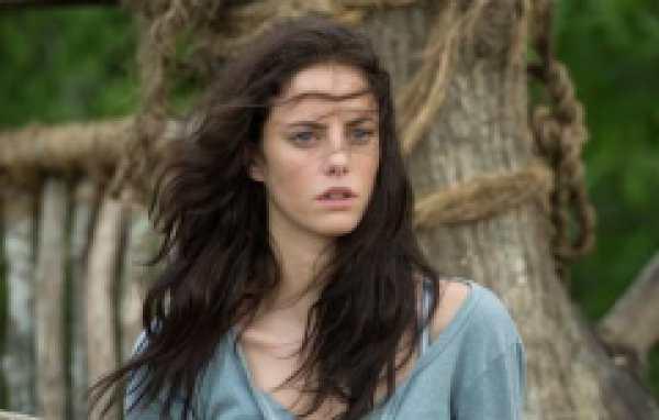 加勒比海盗5女主角是谁扮演的  卡雅・斯考达里奥完美诠释聪慧坚毅的卡琳娜