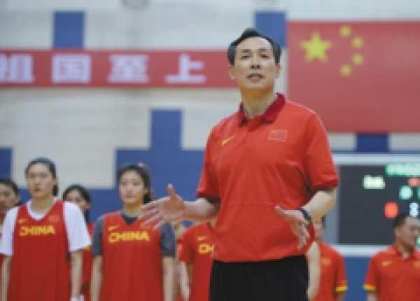 中国女篮教练许利民身高体重年龄微博照片个人资料简历是哪里人 许利民和闵鹿蕾谁更厉害