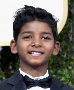 雄狮小男孩萨罗是谁扮演的 扮演者桑尼・帕沃个人资料