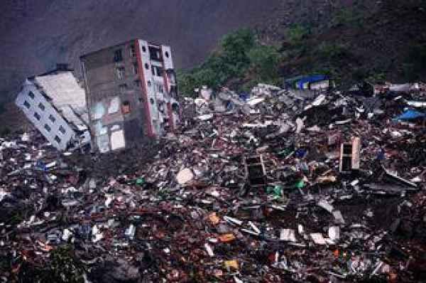 九寨沟7.0级地震与汶川地震有没有关系 2008年汶川地震多少级深度是多少 九寨沟与汶川地震对比