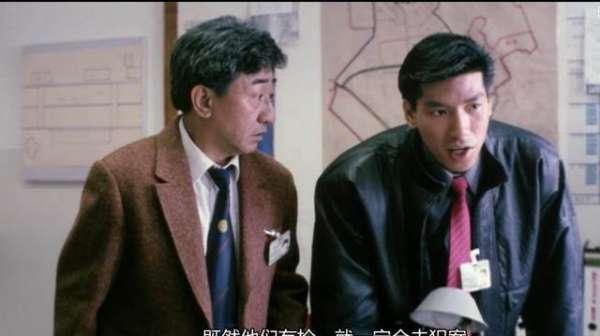 涛涛影评:30年前香港经典警匪片,不比《英雄本色》差