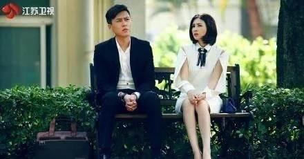 聊剧|《我们的爱》不聊靳东来聊聊像被捅了蚂蜂窝见人就螫的童蕾