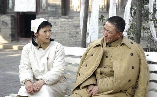 """《我们的爱》靳东首演""""凤凰男"""",千年不红的女主这次押对宝了"""