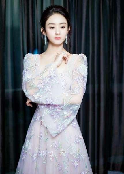 楚乔传赵丽颖出席活动穿的裙子是哪个牌子的 颖宝衣品大爆发