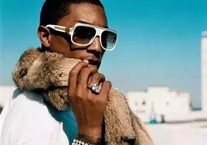 哪些明星都穿过嘻哈风格的衣服照片推荐   明星嘻哈元素潮搭杨幂freestyle领先
