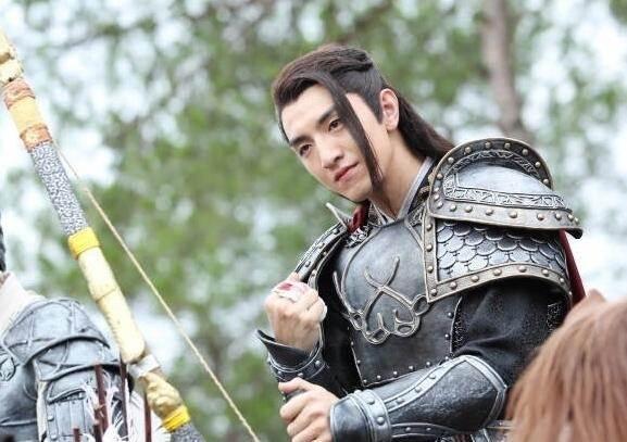 楚乔传楚乔和赵西风情侣发型是怎么回事 宇文�h新发型酷帅美上线