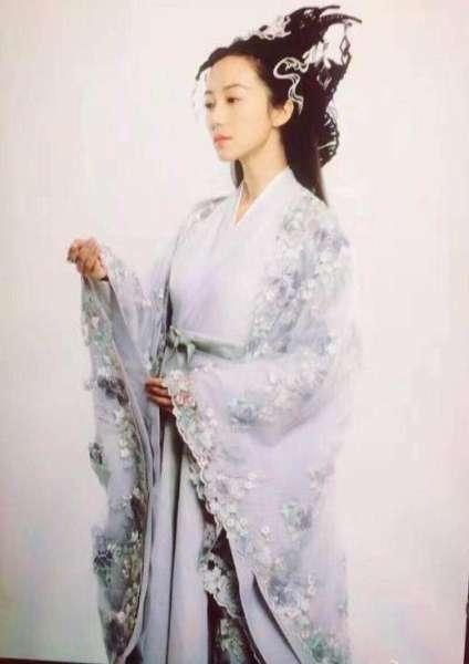 刘诗诗韩雪醉玲珑定妆照路透图对比   韩雪美艳赢在造型