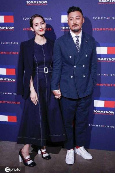余文乐与老婆王棠云伦敦甜蜜看秀 圆脸被网友笑称:幸福肥