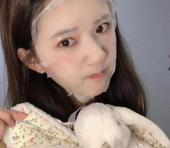 《传闻中的陈芊芊》爆火肉丝妹妹竟然是98年的?(13)